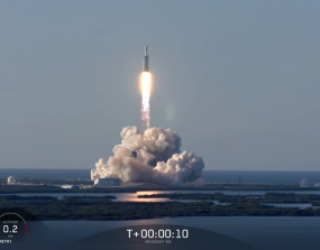 """SpaceX Launches Falcon Heavy, Lands Three """"Cores"""""""