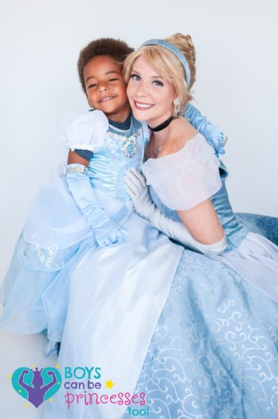 VIRAL_PHOTO_PROJECT_PROVES_BOYS_CAN_BE_PRINCESSES_TOO_1_WB_17012020-399x600-1.jpg